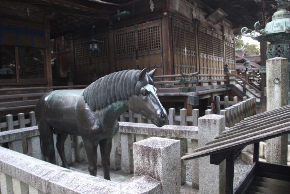 三穂津姫社の銅馬