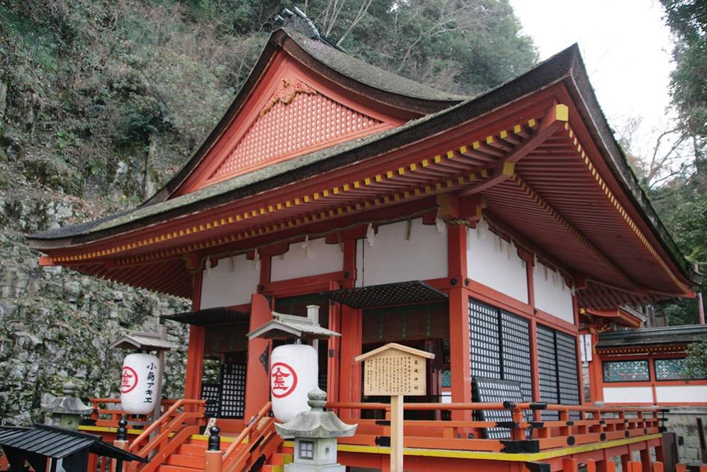 奥社こと、厳魂神社