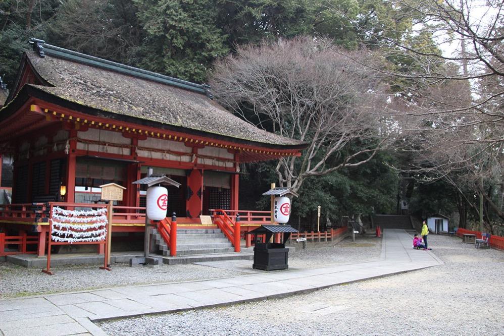 923段目の白峰神社