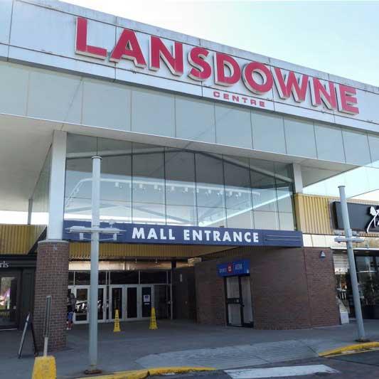 [カナダ]リッチモンドのランズドーンセンターは移動遊園地も来ます