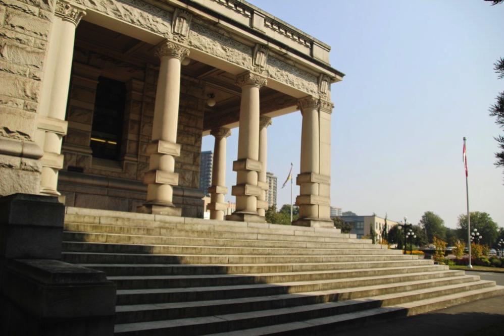神殿のような柱