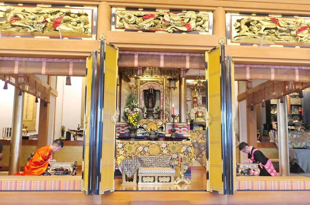 仏教をはじめ、宗教には歴史がある