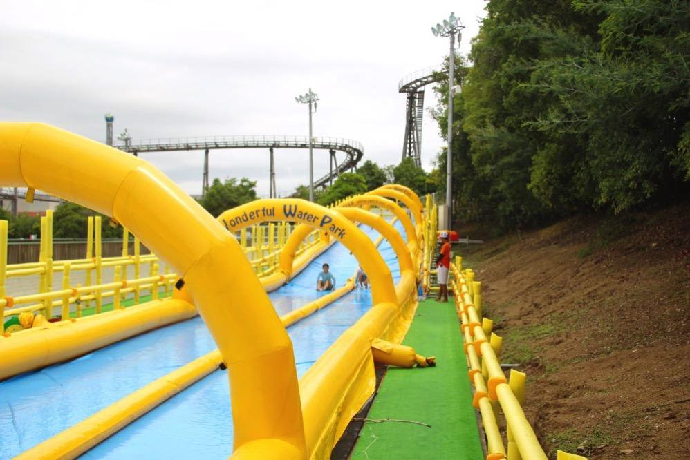 全長60mの「ふわふわロングスライダー」
