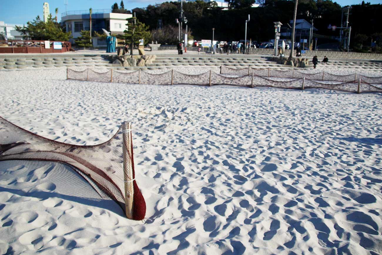 白良浜の砂浜には問題も