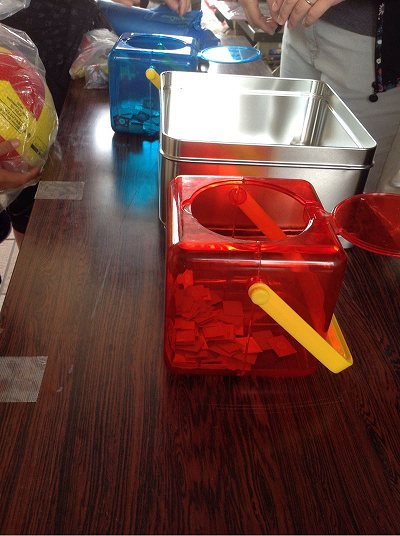 赤い箱と青い箱