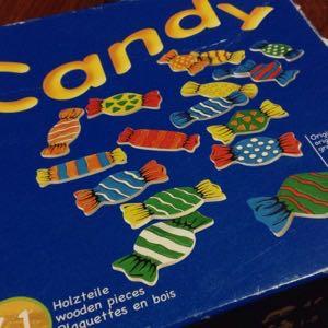 ドイツ製の「キャンディーゲーム」が飴ちゃんの取り合いで盛り上がる!