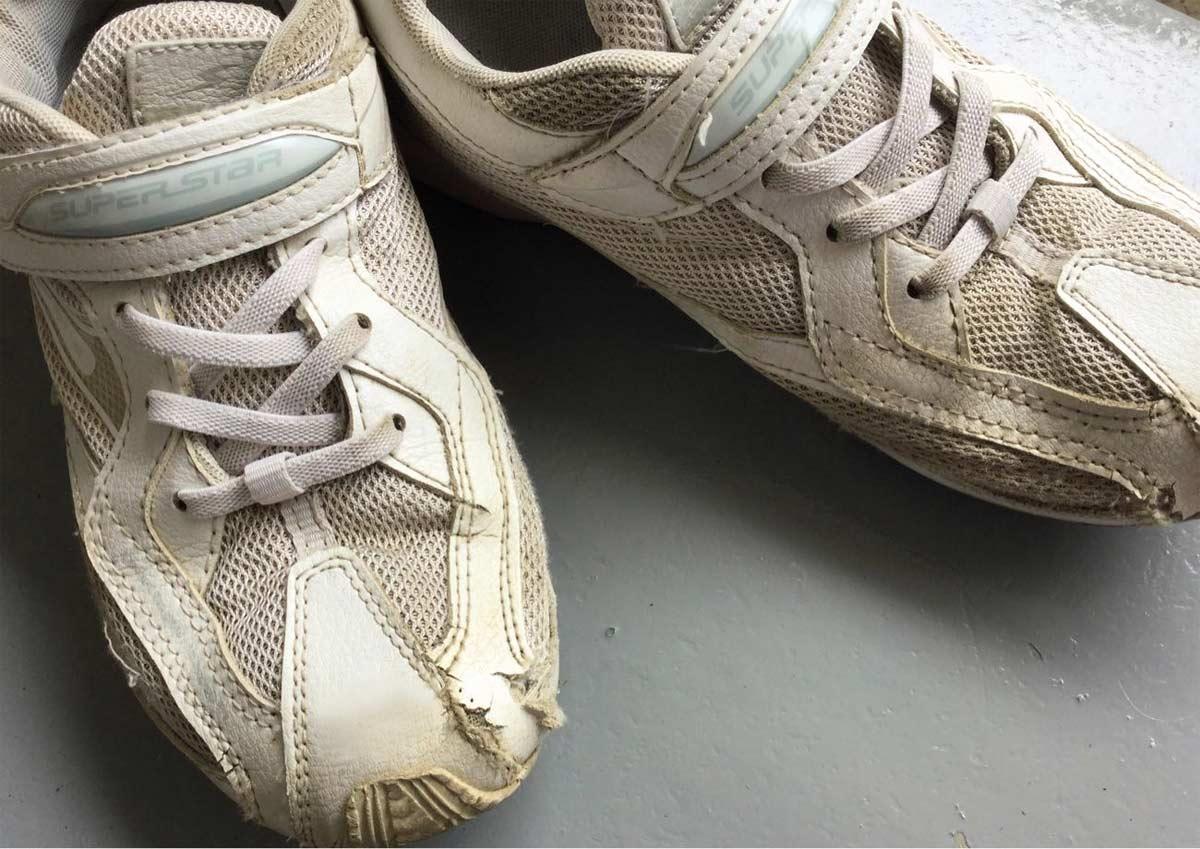 娘が活発すぎてすぐに靴がボロボロに……