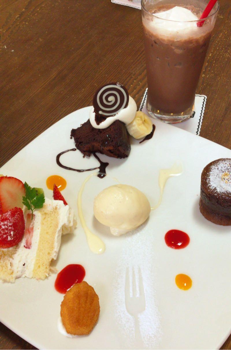次女の選んだケーキ3種