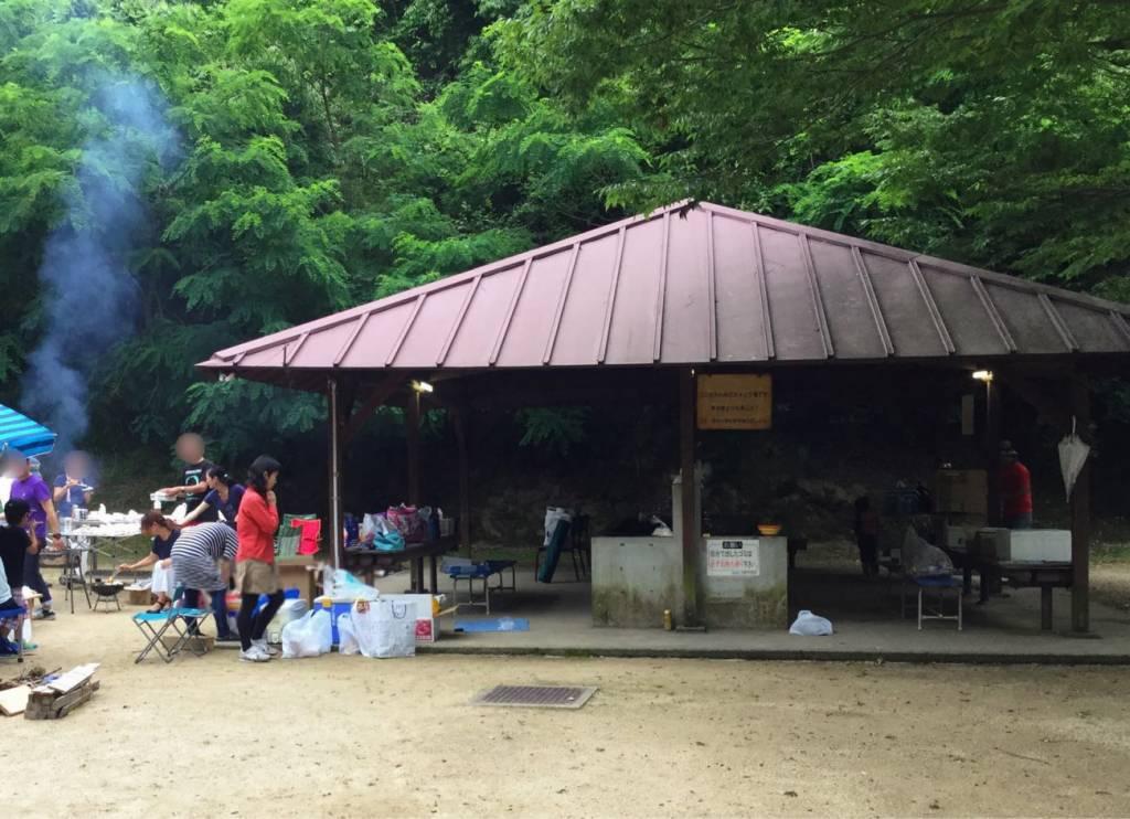 畦田キャンプ場の炊事場
