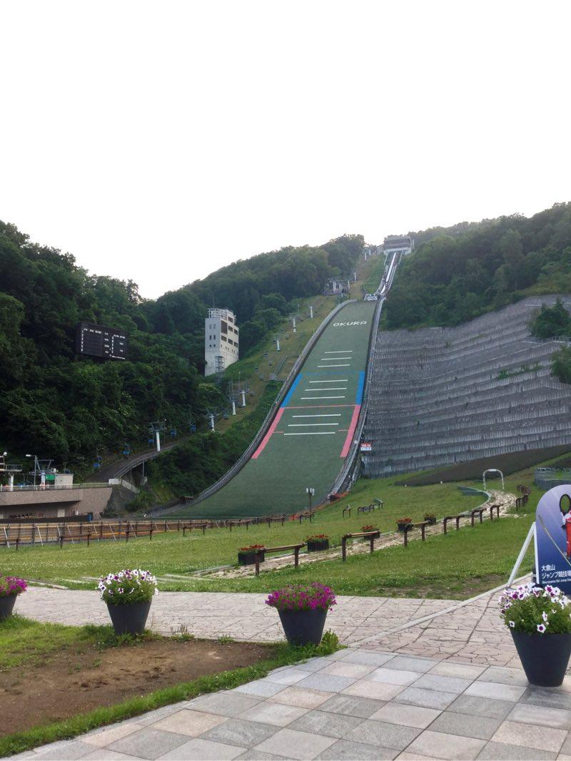 スキーのジャンプ台