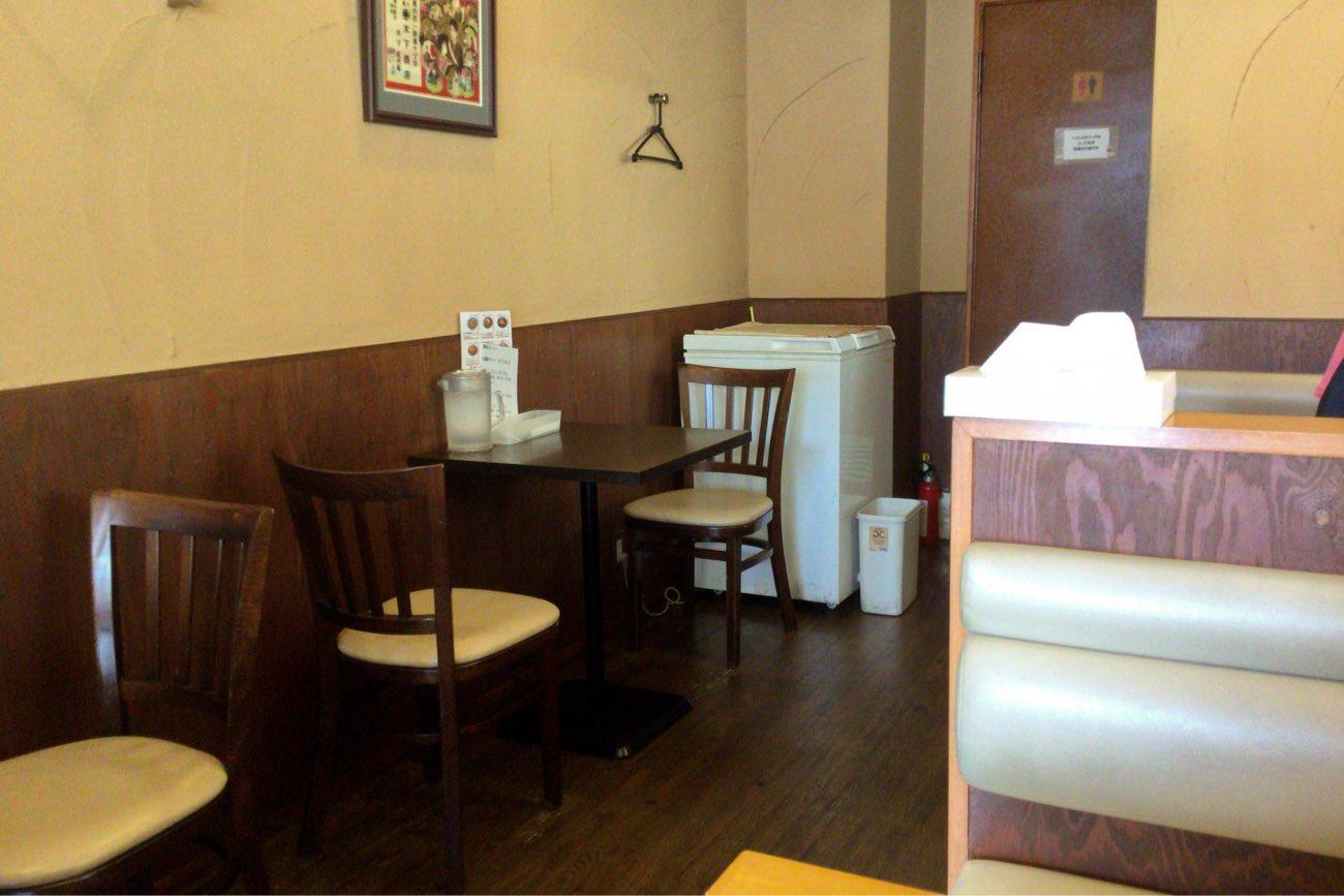 木多郎のテーブル席
