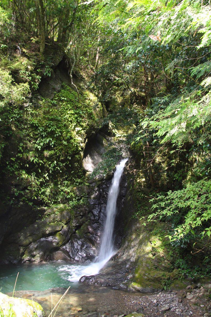 大小たくさんの滝がある