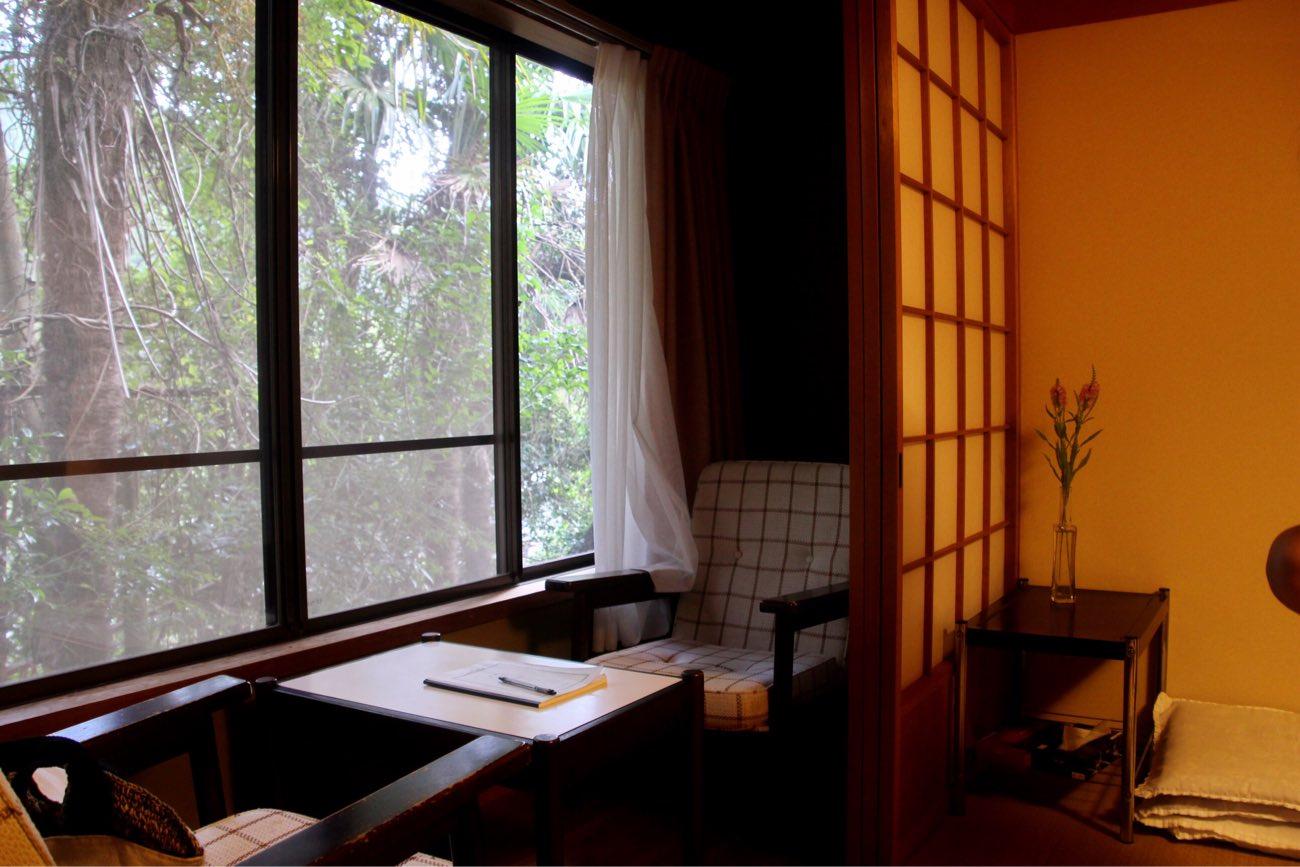 お部屋にはこんなスペースも。洗面台もあります