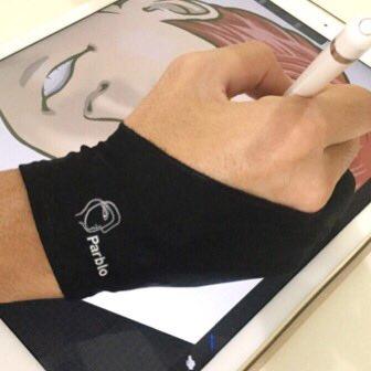 手のひらをiPadの上に置いて絵を描けない問題を解決するのは手袋です!