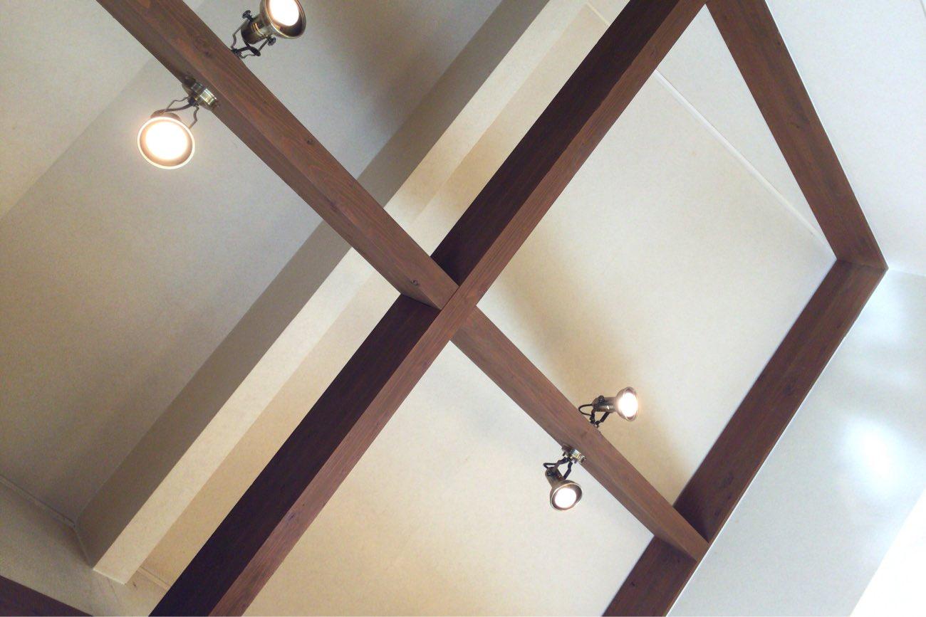 モンキーポッドの天井