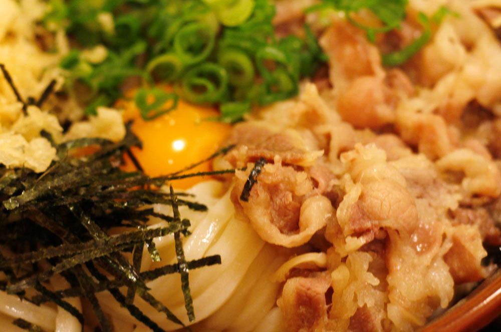 讃州製麺の肉甘玉うどん
