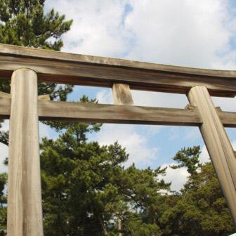 出雲大社の4つの鳥居を知ってます? 石・木・鉄・銅でできてるよ! | ヨッセンス