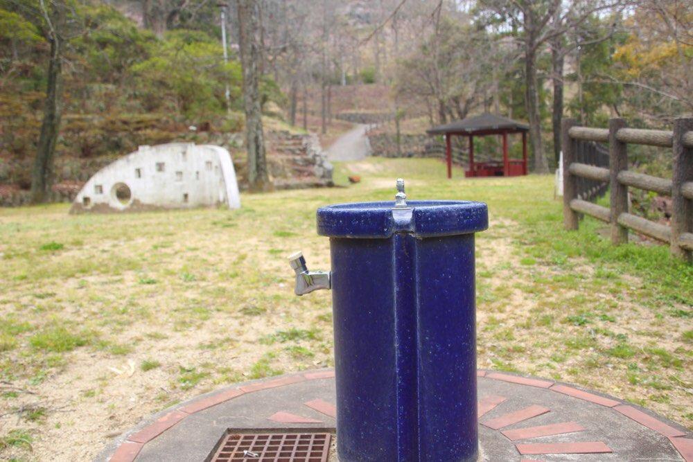水飲み場+水道