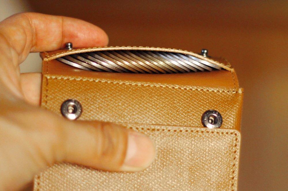「薄い財布」の小銭入れ部分