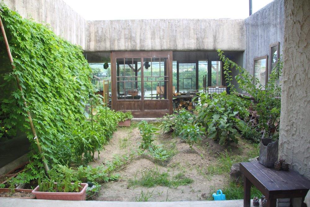 中庭には畑が