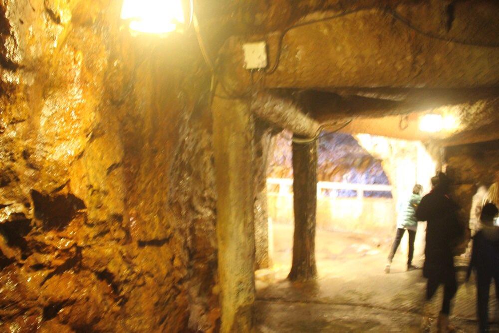 洞窟の出口付近