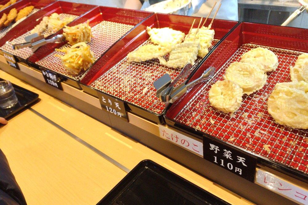 天ぷらも次々と上がっている