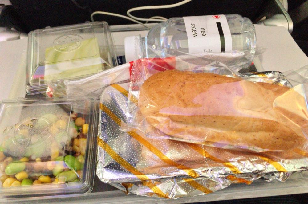 エア・カナダの機内食(夕食)