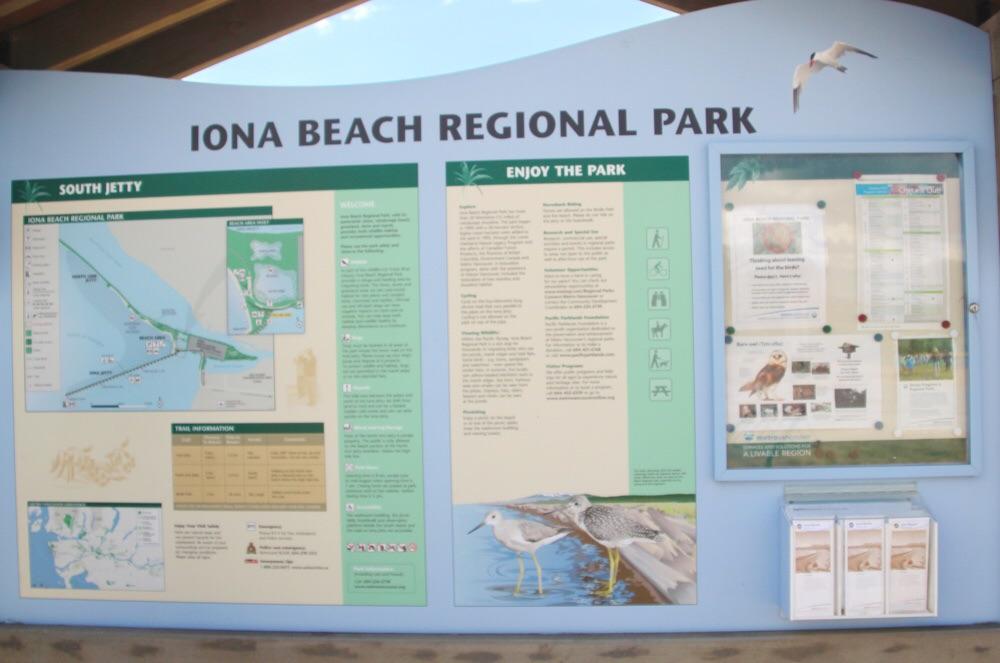 Iona Beach Regional Parkの地図と案内