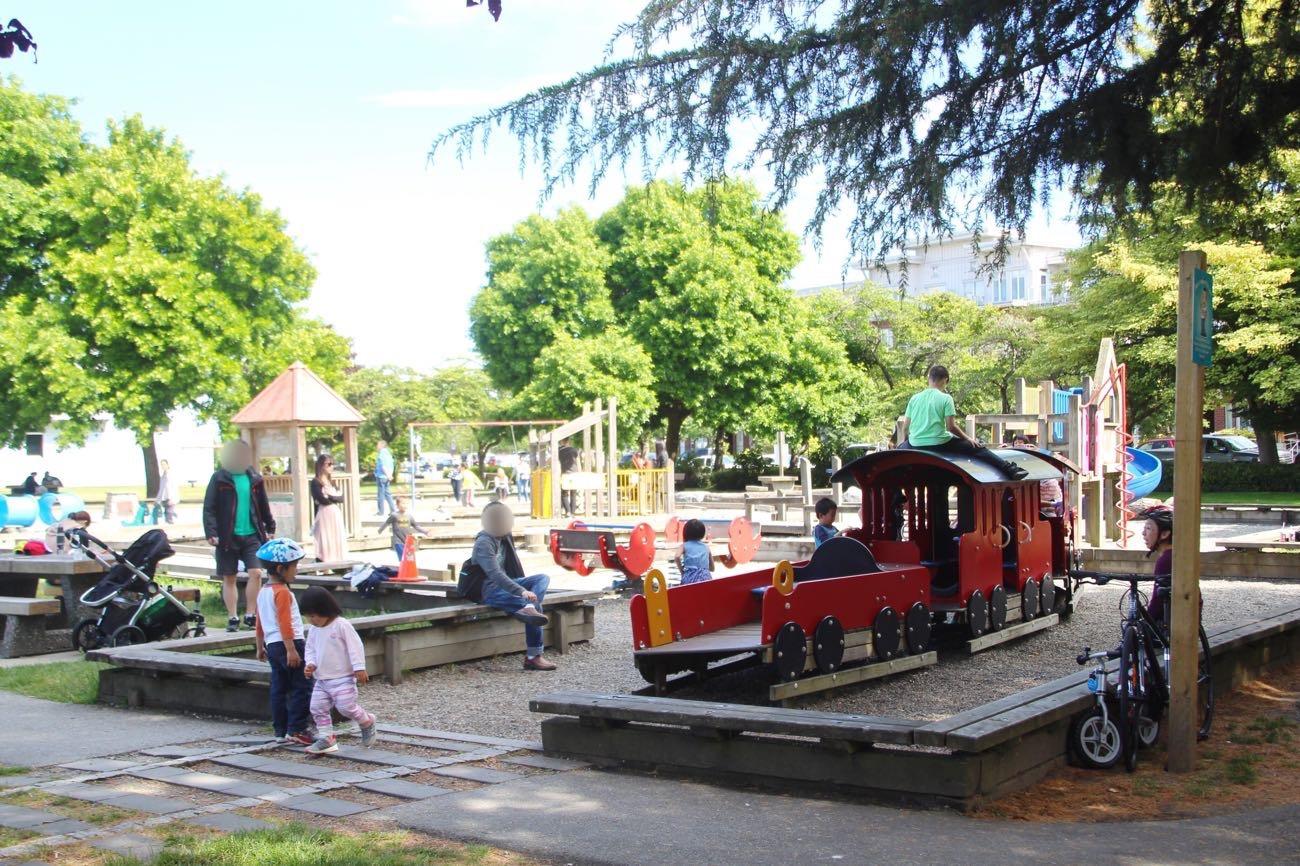 スティーブストン公園の遊具コーナー
