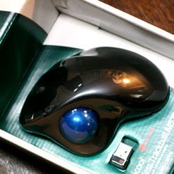 マウスでおすすめしている「トラックボールM570」の4個目が届いたっ! | yossense