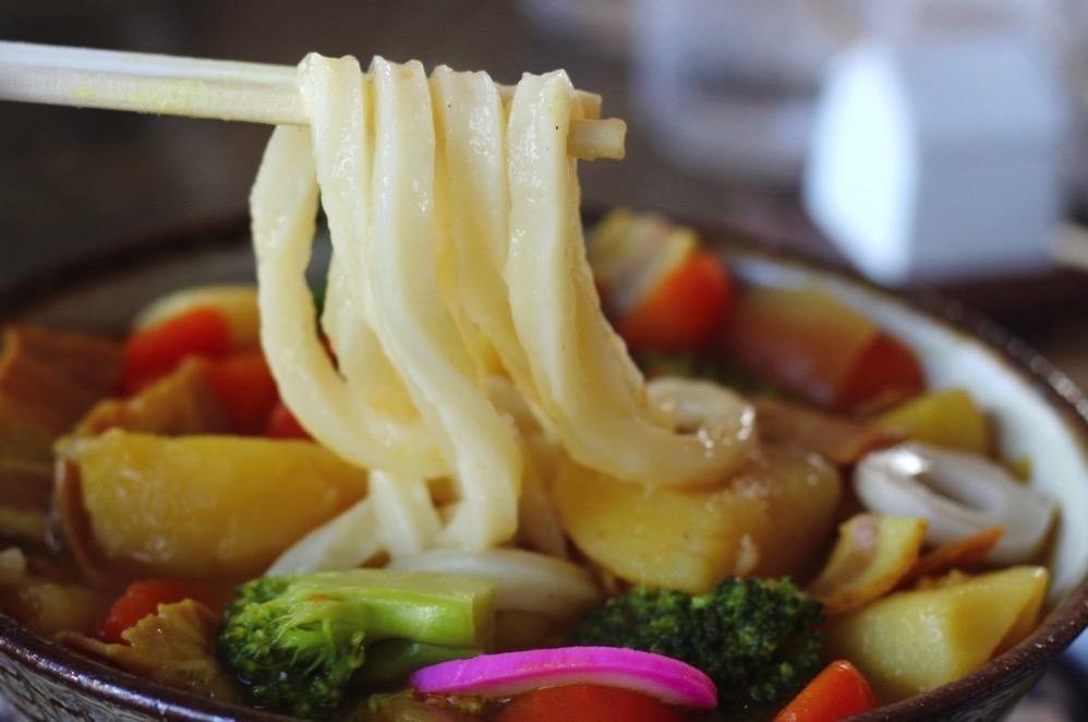 スープカレーうどんの麺