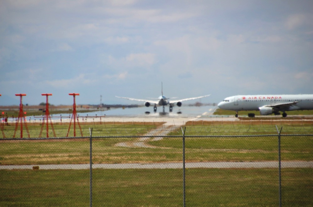空港公園から見える飛行機